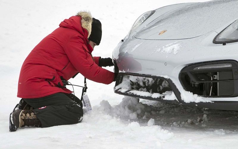 How to drive your car during the winter in Russia