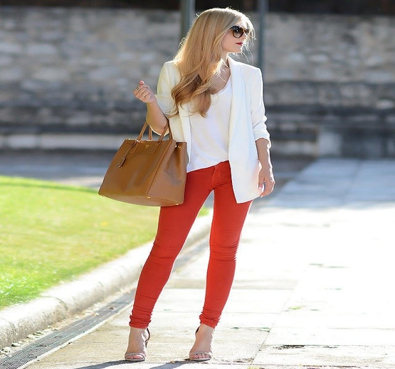 the women red pants