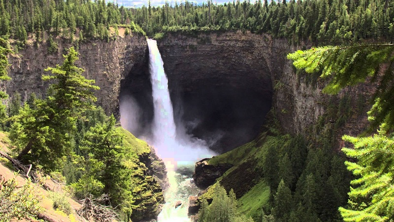 The 10 Most Beautiful Falls In Canada