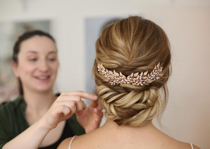 Some simple wedding hairstyles for every taste