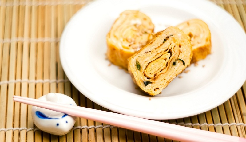 Japanese Tamagoyaki Omelet: Recipe