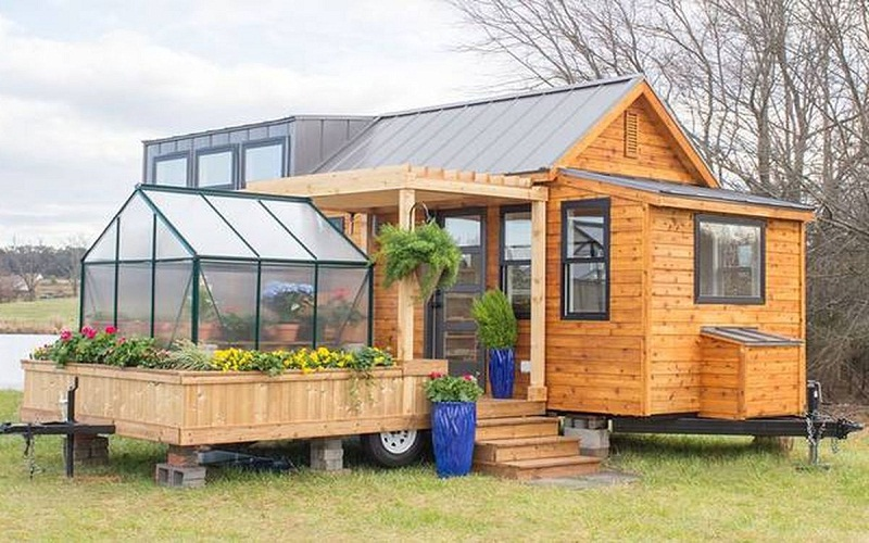 What are sustainable ecological house